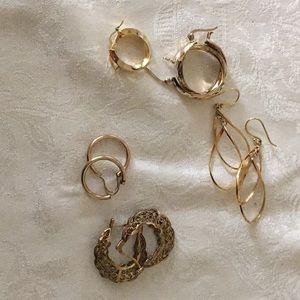 Gold tone silver earrings#689R